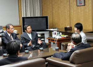 株式会社テレビ朝日ホールディングスに係る認定放送持株会社の認定証交付式